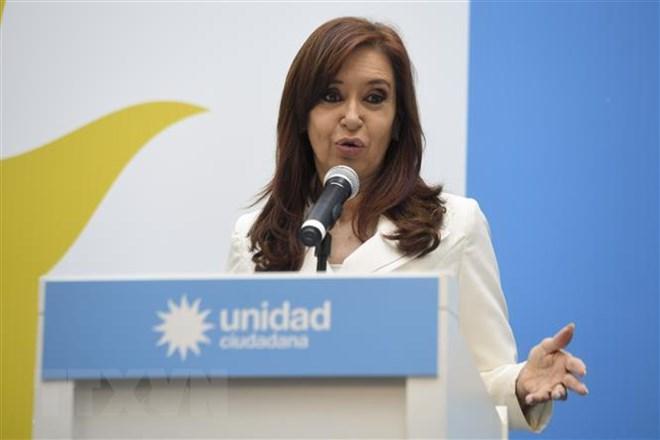 Argentina truy tố cựu Tổng thống C.Fernandez tội nhận hối lộ