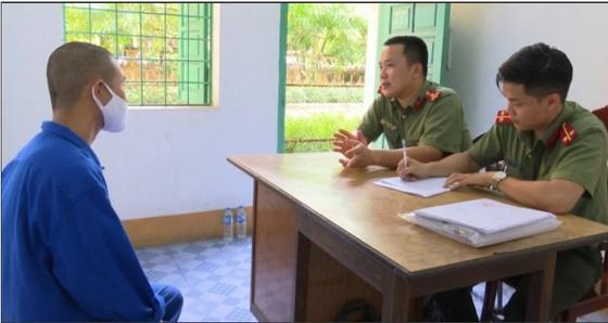 Công an tỉnh Quảng Ninh tiến hành lấy lời khai một đối tượng trong ổ nhóm đưa người Trung Quốc nhập cảnh trái phép ở Móng Cái